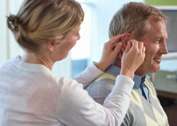 Общение с пользователем слуховых аппаратов